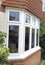 bow windows un bow windows es creado por cuatro o mas ventanas square bay window with leaded double glazing