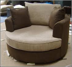 comfortable reading chairs big comfy reading chair chair home furniture ideas lqnm3bn0dy
