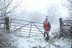 uk weather takes u turn as snow hits part of britain daily mail