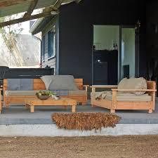 canapé en bois canape de jardin bois lilas ladivinejardine