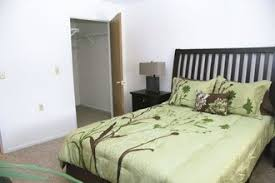 2 Bedroom Apartments In Bloomington Il by Summertree Rental Residences Normal Il Apartment Finder