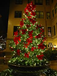 Greenery White Lights And Red Velvet Bows Christmas Perfection 3
