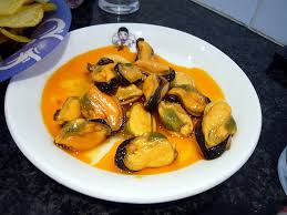 comment cuisiner des moules surgel馥s recette moules aux légumes et à la sauce piquante recettes