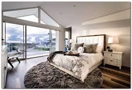 décoration chambre à coucher moderne chambre coucher moderne tapis rond poils longs lit grand coussins