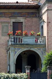 file a balcony with red flowers siena 1340 jpg wikimedia commons