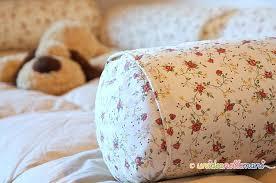 cucire un cuscino simpatica idea per riciclare vecchi cuscini