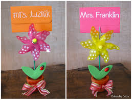 teacher u0026 graduation gifts simple ways to dress up a gift card