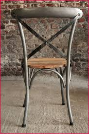 chaise m tal industriel chaise bistrot metal noir avec chaise bistrot industrielle bois et m