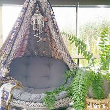 canap papasan do this with the papasan chair and some tapestry eclectic bohemian