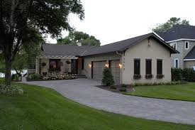 l shaped house with porch lake country builders