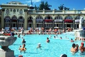 bagno termale e piscina széchenyi alla scoperta di budapest ungheria