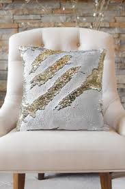 Designer Throw Pillows For Sofa by Best 25 Mermaid Pillow Ideas On Pinterest Mermaid Room Mermaid