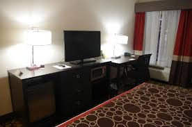 Dresser And Desk King Room Bed And Photo Wall Rm 104 La Quinta Inn U0026 Suites