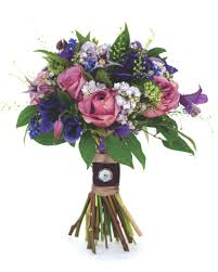 Wedding Flowers Magazine How To Choose Your Bridal Bouquet U0026 Make The Most Of It