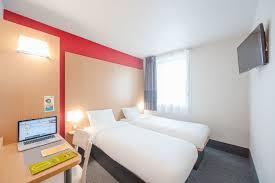 hotel avec dans la chambre dijon b b hôtel dijon centre