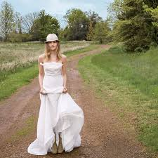 outdoor wedding dresses wedding dresses for an outdoor wedding brides