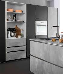 cuisine gris noir la cuisine grise une couleur pour mille compositions mobalpa