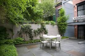 Townhouse Backyard Ideas The Cult Of The Courtyard 10 Backyard Ideas For Small Spaces