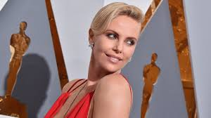 Pretty Mess Vanity Charlize Theron Says Hollywood Is Hard On U201cpretty U201d Actresses