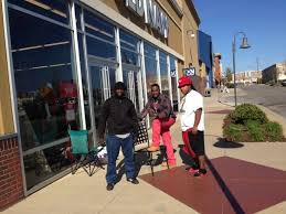 tuscaloosa shoppers in line thanksgiving morning for deals fox5