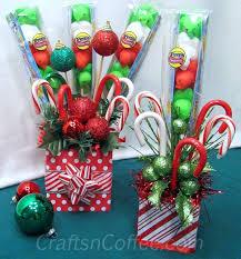 a quick christmas gift idea make a christmas candy bouquet make