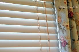 Wooden Blinds For Windows - den diy painting the wood blinds all things heart and home