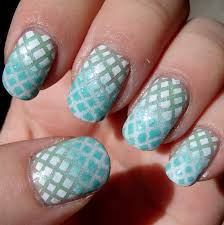 nails cross beautify themselves with sweet nails