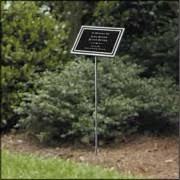 outdoor memorial plaques aluminum and bronze plaques exterior memorials and signs