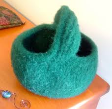 mobius scarf pattern cat bordhi felted moebius basket this knitted up so quickly i made i flickr