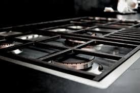 piano cottura a filo cucine marmi working