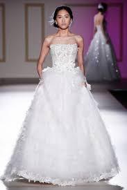 robe de mari e classique robes de mariée bustier un classique à ne pas laisser échapper