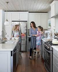 Sarah Richardson At Home For The Holidays - Sarah richardson family room