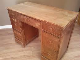 salvaged wood desk transformed with chalk paint bubble wrap and