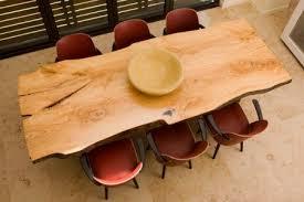 table cuisine bois brut le bois brute on l aime à table table en bois massif tables en