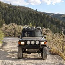 land rover discovery 3 off road lifted land rover discovery on 35 inch tires called bruce