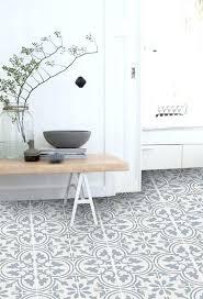 vinyle cuisine sol vinyle cuisine finest plancher de cuisine with sol vinyl pour
