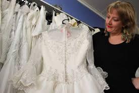 preloved wedding dresses second wedding dresses tour queensland for budget conscious