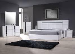 contemporary wooden bedroom furniture arrangement ideas
