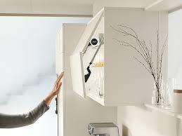 hängeschrank küche blum aventos klappenbeschläge für den hängeschrank