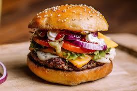cuisiner un hamburger le hamburger passe à table cuisine et achat la viande fr