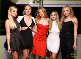 Six Flags Friends Bella Thorne Celebrates 18th Birthday With Six Flags Private Tour