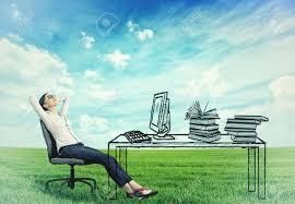 le bureau verte femme d affaires réussie détente assis dans le bureau à