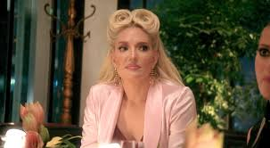 hair style from housewives beverly hills hong kong real housewives of beverly hills recap love and knuckles