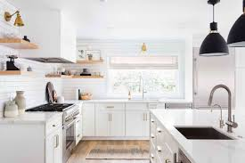 what benjamin paint is for kitchen cabinets painting kitchen cabinets the complete guide