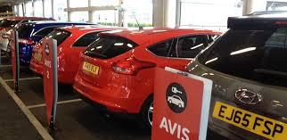 Rent A Desk London Car Hire At London Heathrow With Avis