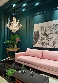 sofa rosa sofa rosa pared verde oscuro como combinar decoracion jpg 650 931