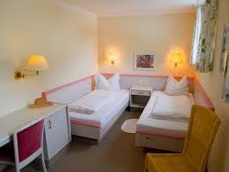 getrennte schlafzimmer haus renovierung mit modernem innenarchitektur ehrfürchtiges