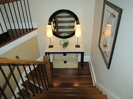 Stairway Landing Decorating Ideas by Inexpensive Bedroom Decorating Ideas Stairway Wall Decorating