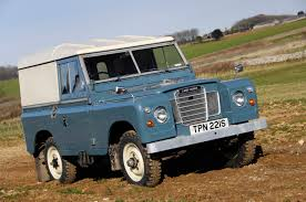 range rover defender 1990 last of the current land rover defenders is built in solihull
