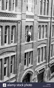 Narrow Picture Ledge Window Cleaner On Very Narrow Ledge 3storeys Up With No Safety